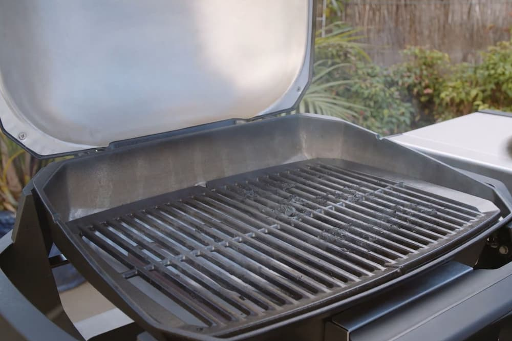 dirty Weber Pulse electric grill grate